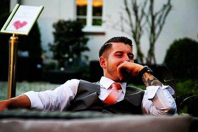 #suit #men #tattoo #tattoed #tattooandsuit #wiesbaden #picoftheday #tattooedboy #suitandtie #handmadesuit #instalike #hashtaghipsterscheiss by basti_1989