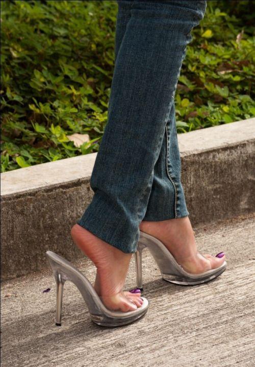 Shoe dangle black heel 4