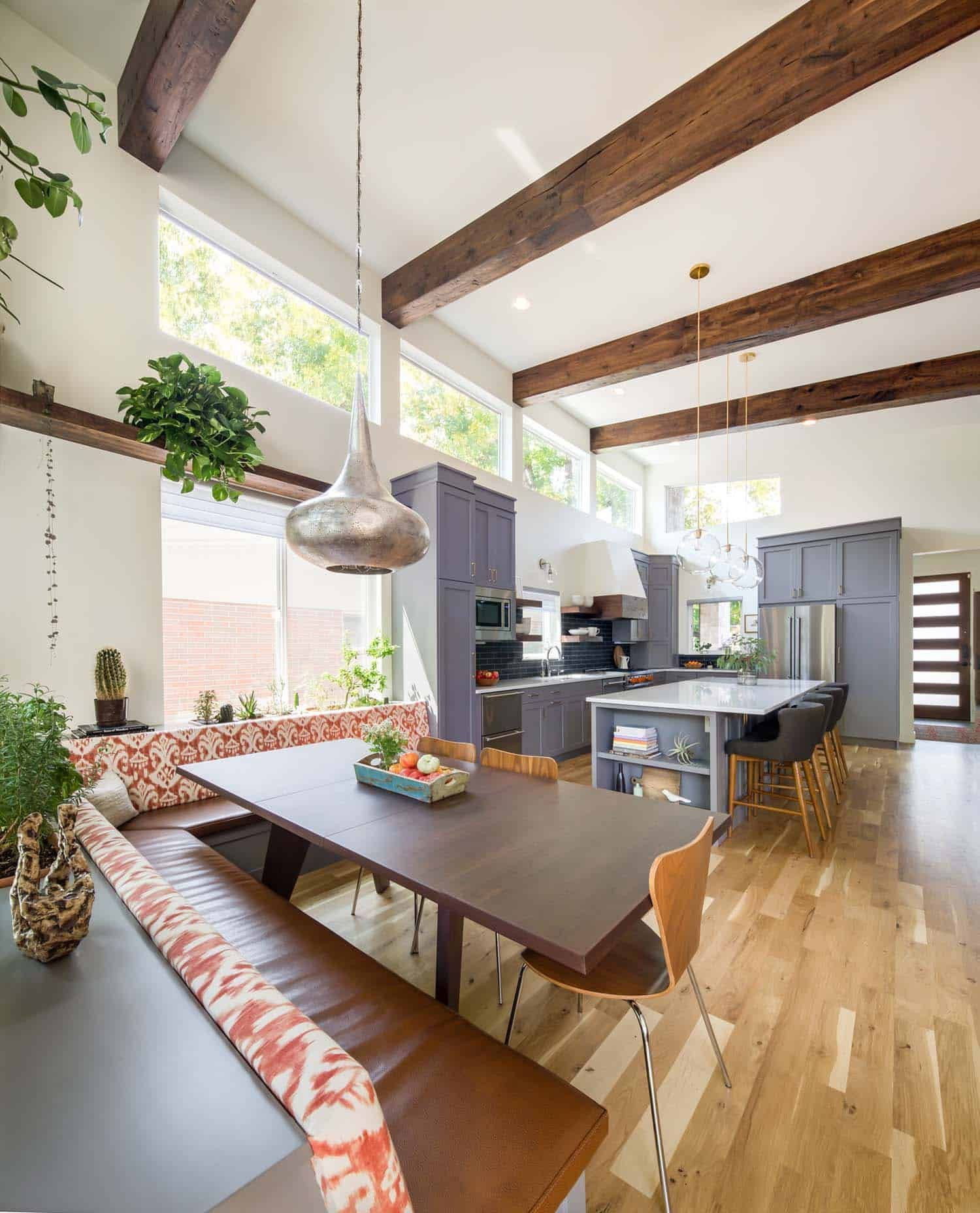Bright And Airy Renovation Of A 1950s Ranch House In