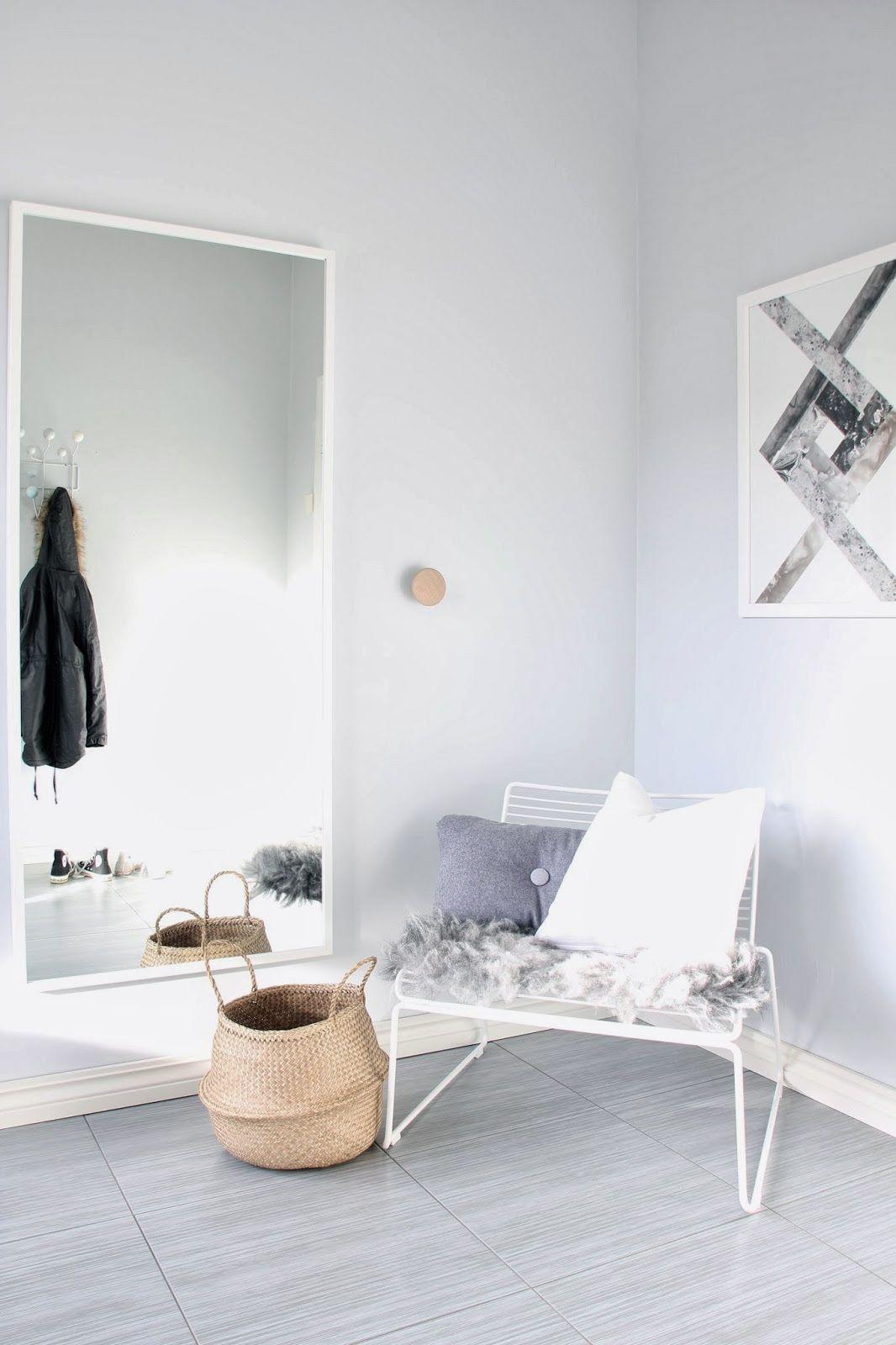 Hee Sessel Von HAY Mit Spiegel Und Garderobenhaken Von Muuto. Schönes Skandinavisches  Design, Das Immer Schlicht Elegant Einen Flur Betört! ...