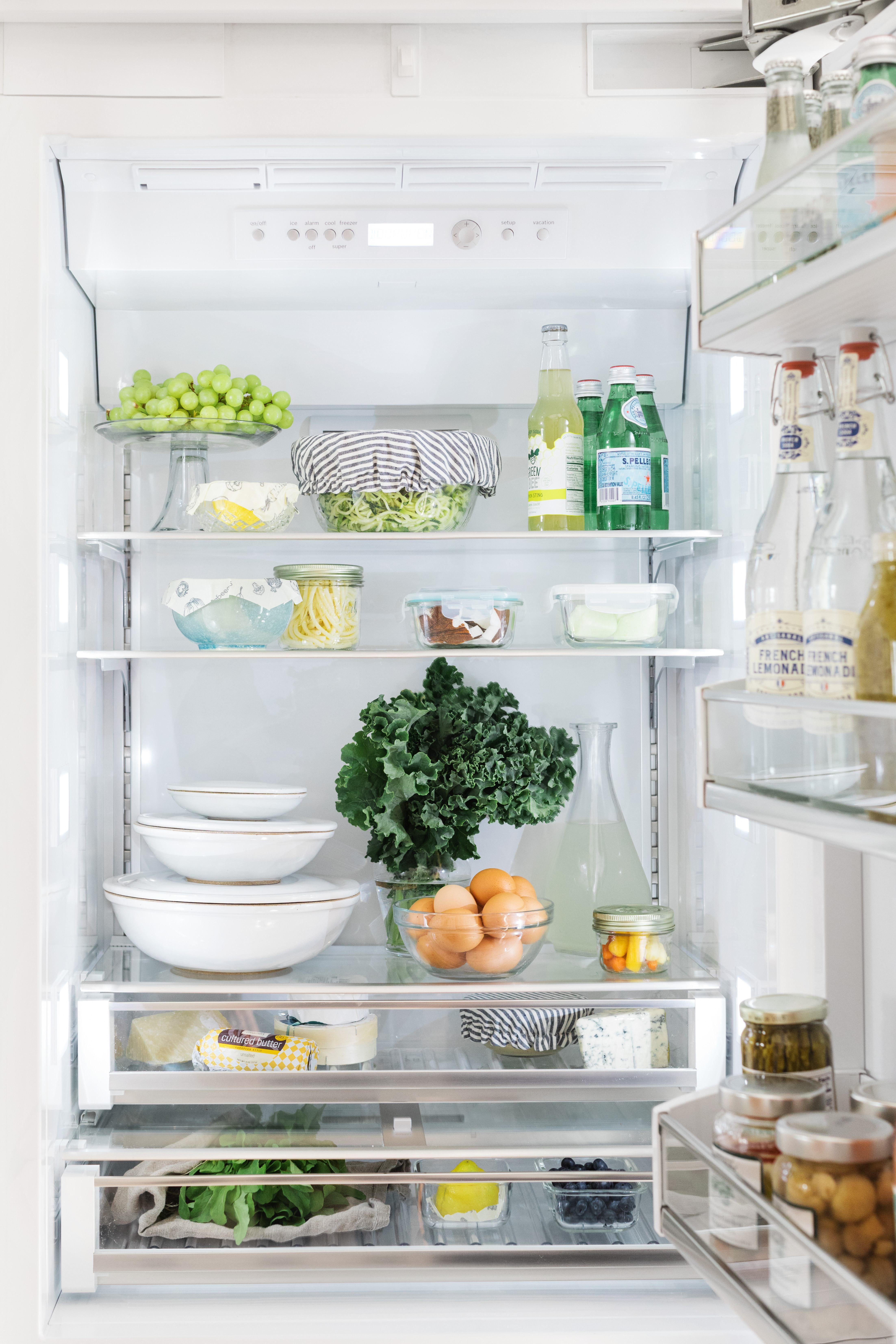 The Well-Organized Refrigerator with Bosch Home Appliances | Pretty ...