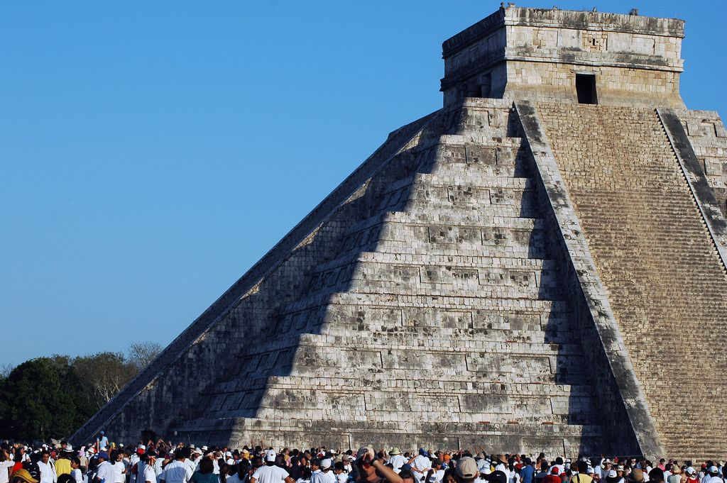 "In the spring and autumn, you can admire a unique spectacle: ""The Equinox""  #ChichenItza www.yucatan-holidays.com"