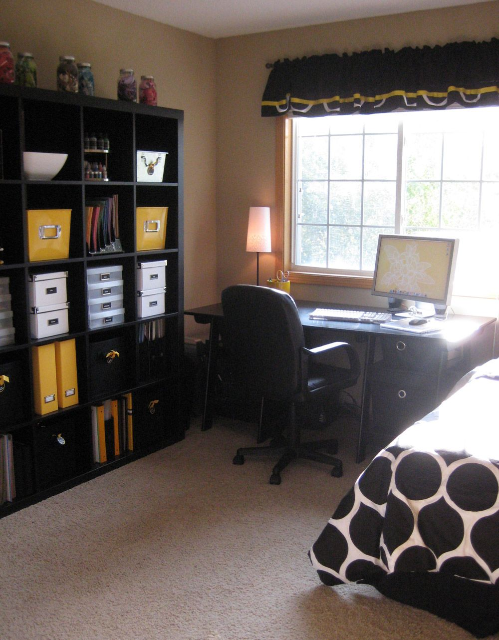 guest room office combo like this setup i can get the square cubbies for storage guest room. Black Bedroom Furniture Sets. Home Design Ideas