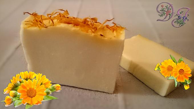 Jabón-artesano-con-oleato-de-caléndula-en-aceite-de-oliva-virgen