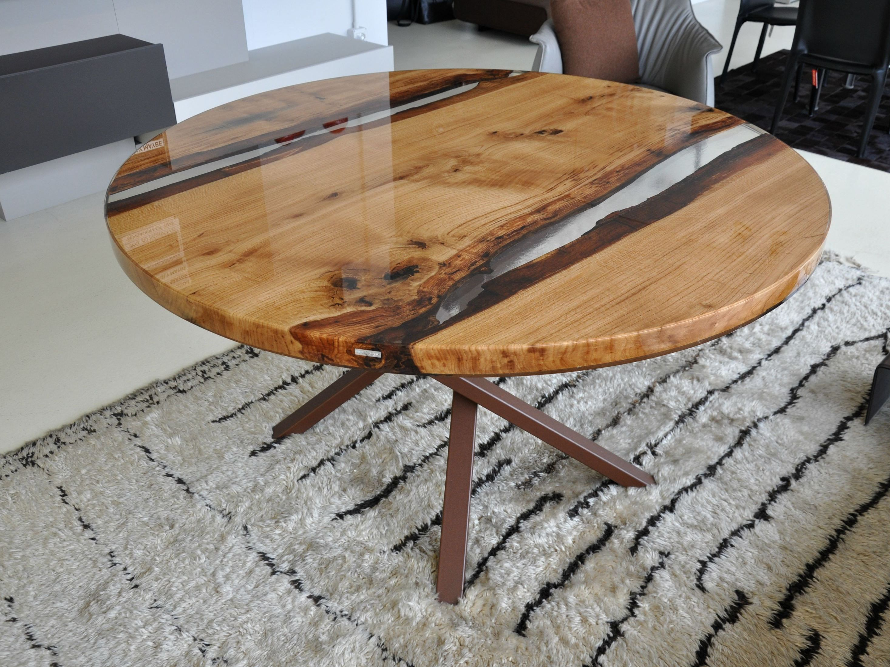 Venere tavolo in resina e briccola round table by antico for Resina epoxi madera