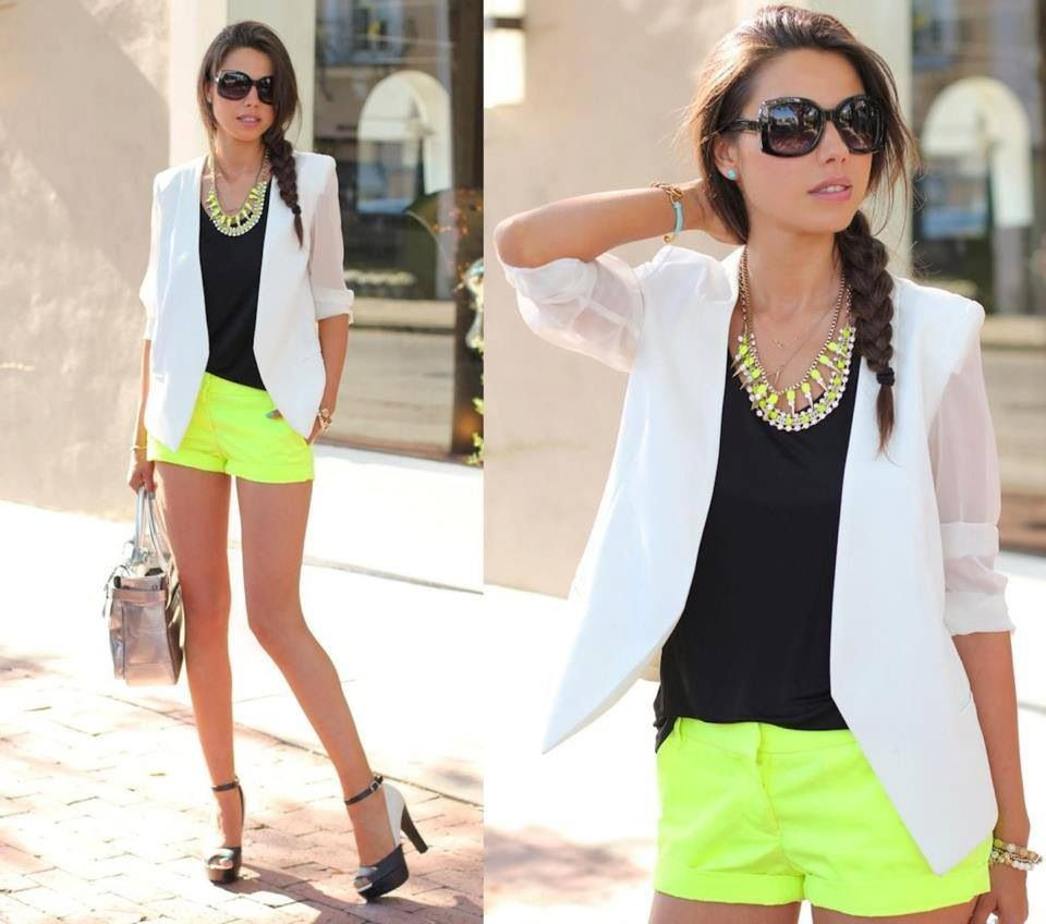 White blazer - neon pants - black shirt - high heels.. Outfit