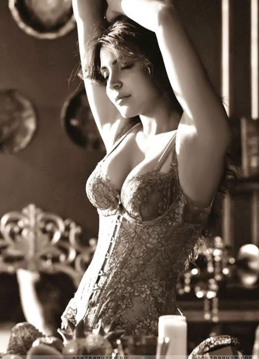 Anushka sharma hot and sexy pics-7199