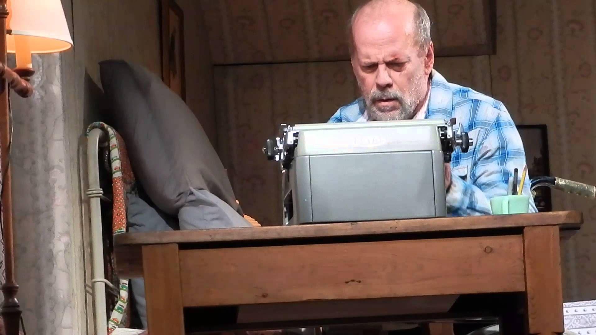 ミザリーbruce Willis In Misery Play On Broadway ブルースウィリス