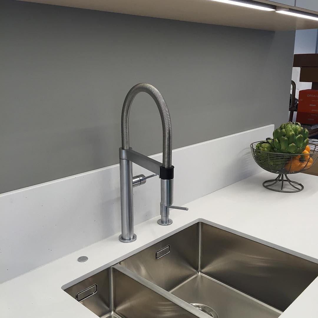 Inredning blandare bänkdiskmaskin : Smidig köksblandare med unik funktion! Storköksblandaren Culina-S ...
