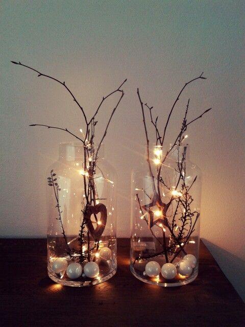 Gekonnt eingesetzte #Lichter sorgen für eine gemütliche Stimmung. Am besten für dieses #DIY eignen sich große #Dekogläse aus Glas. #decodenoelfaitmaison