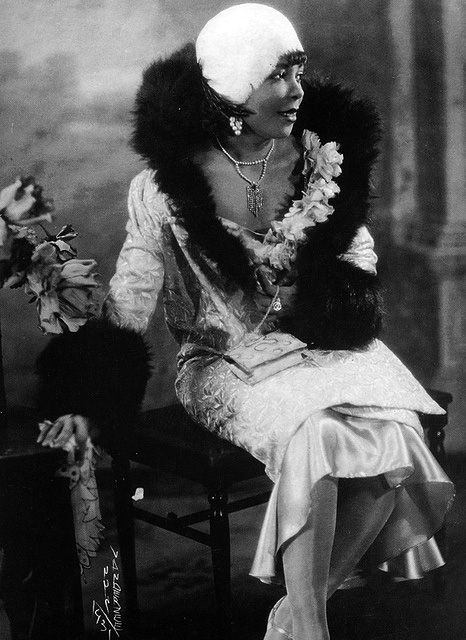 Jazz Age Black Beauty, African American Flapper w/ Fur Shawl Coat by James Van Der Zee, the pre-eminent African-American portrait photographer in New York City during the 1920's and 30's.