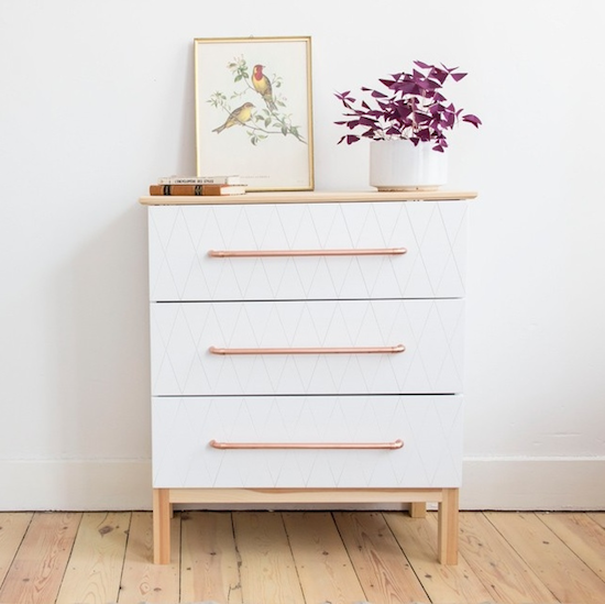 Une commode ikea prend des allures scandinaves babayaga for Ikea commode pin