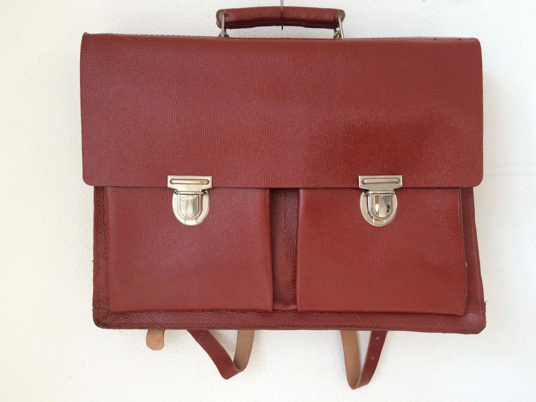 2b21e708c3a Vintage Original Buffalo Russia leather satchel, schoolbag door  MORETHANVINTAGENL op Etsy