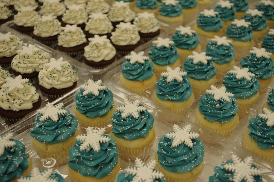 Snowflake winter wonderland weddings! Visit Omg! Cupcakes ...