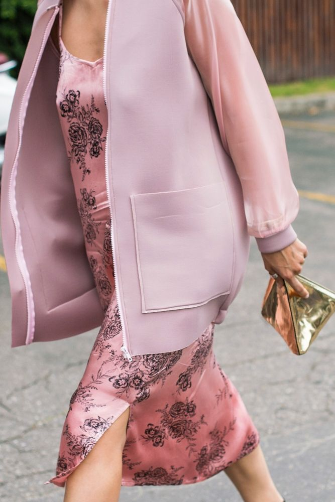 We love this pink on pink look, with gold accessories.