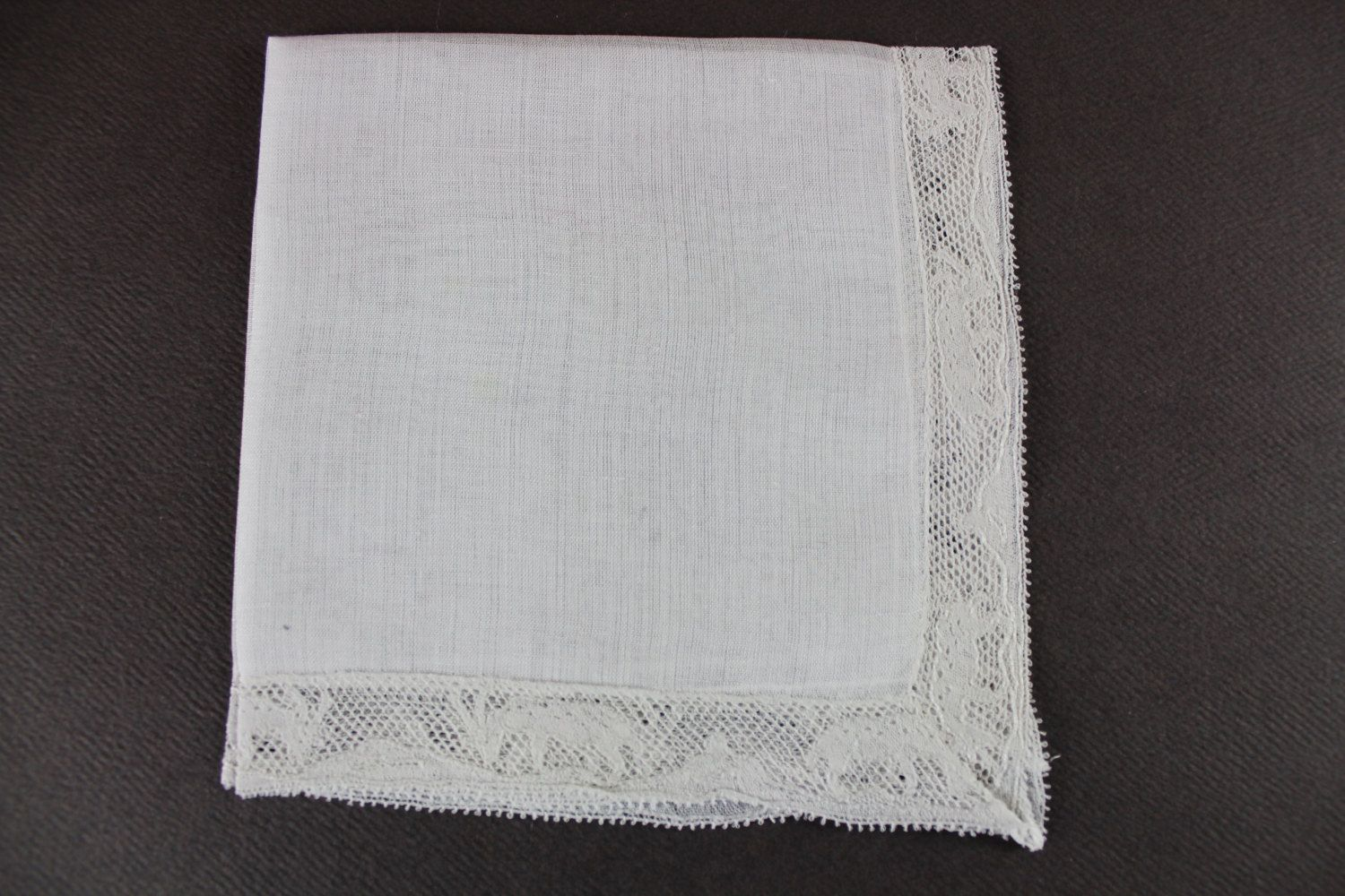 White Lace edged/animal motif/ Vintage Handkerchief H-120 by EBMNewhaven on Etsy