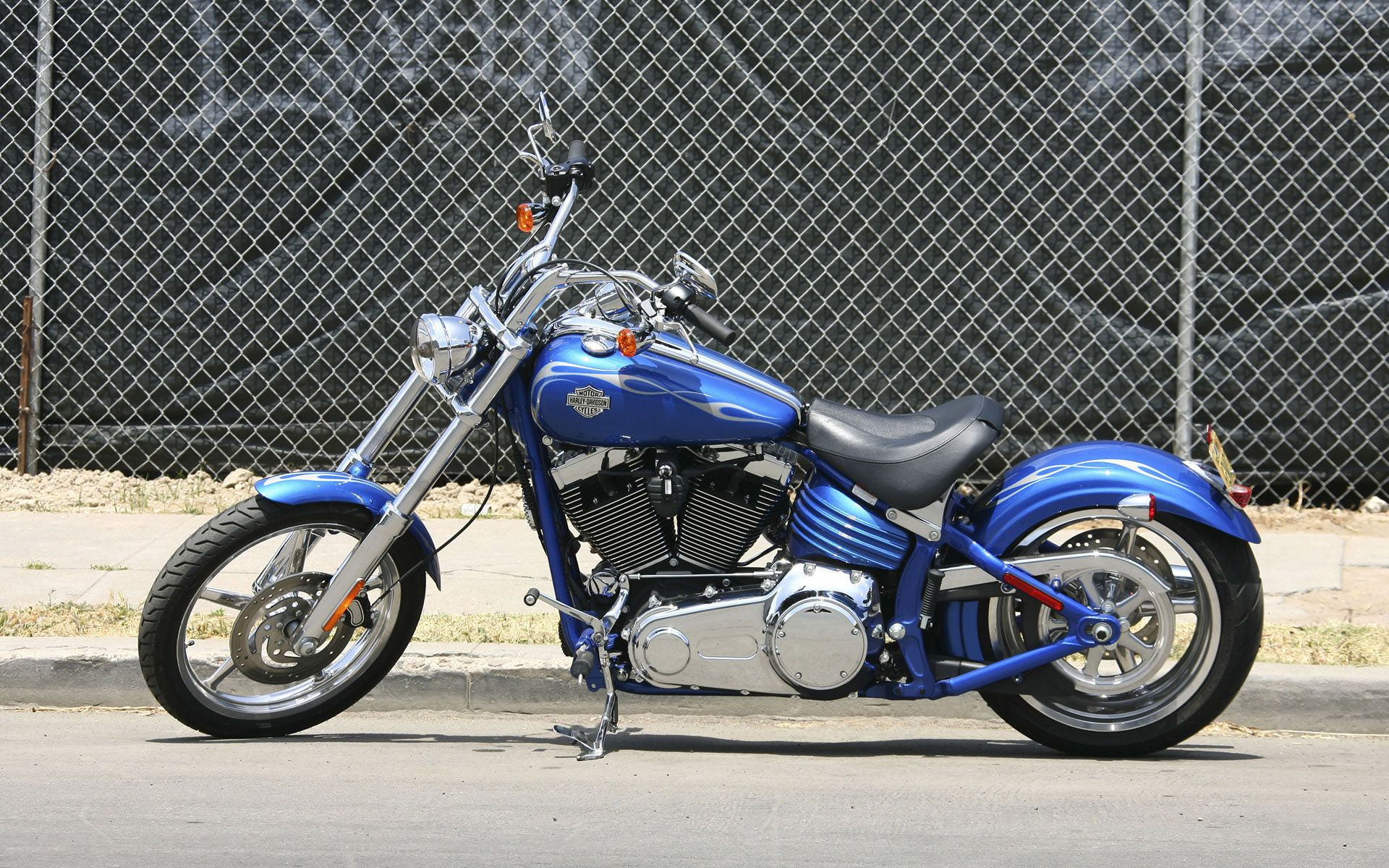Harley Davidson choppers | Custom harley davidson motorcycle ...