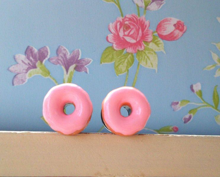 Tunnels Süßes Ding Zuckerguss Plugs Vintage rosa  von HinterdensiebenBergen auf DaWanda.com