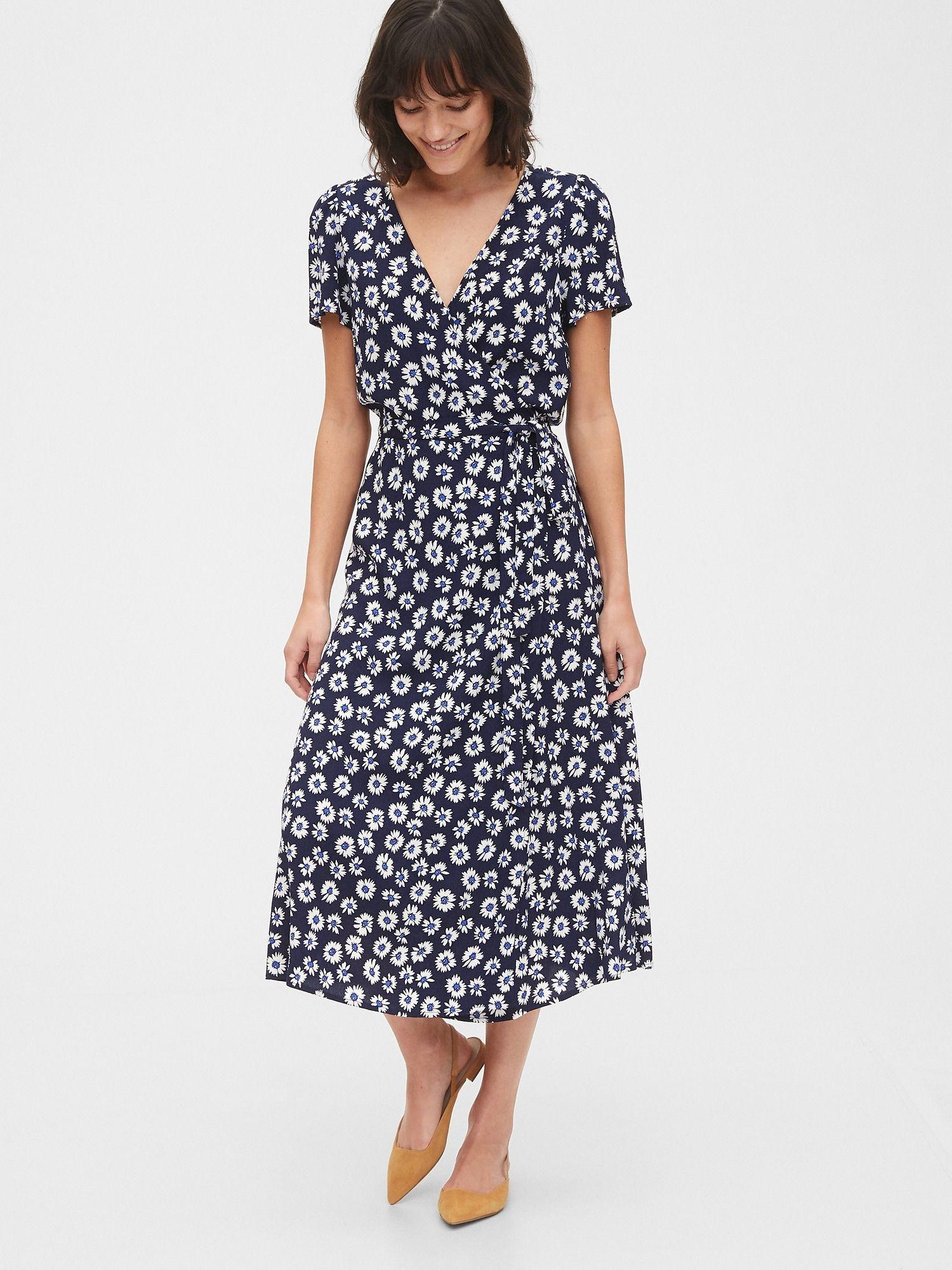 Midi Wrap Dress Gap Midi Wrap Dress Wrap Dress Casual Dresses For Women [ 2000 x 1500 Pixel ]