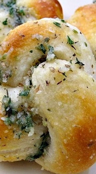 Easy Parmesan Knots using refrigerated biscuit dough ❊