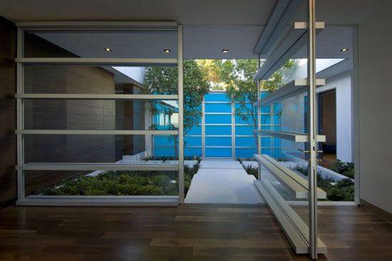 Beautiful Eichler style - parkay floors-- understated and stunning!!