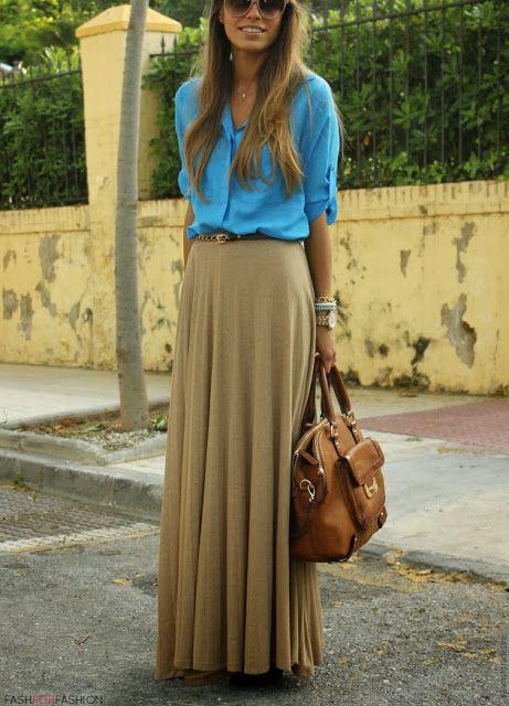 Nos encantan las #faldas largas combinadas con blusa!!! #lesdoitmagazine ¿Qué os parece?
