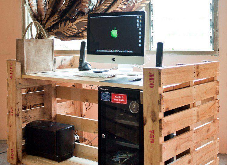 Bureau en bois 34 id es diy tr s cool en palette europe idees de meubles en palettes - Bureau en palette de bois ...