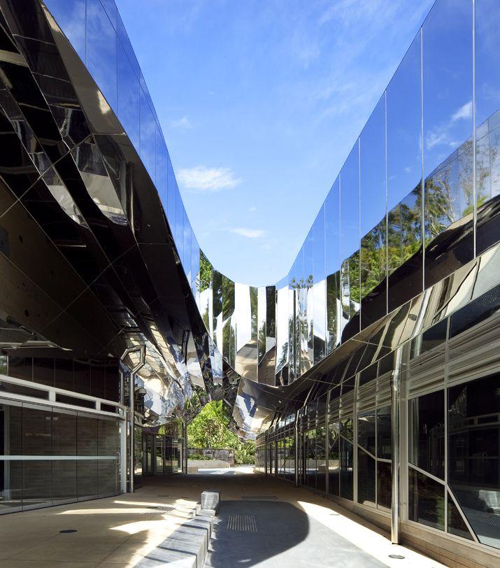 Cairns botanic gardens visitors centre charles wright for Architecture design studio pty ltd