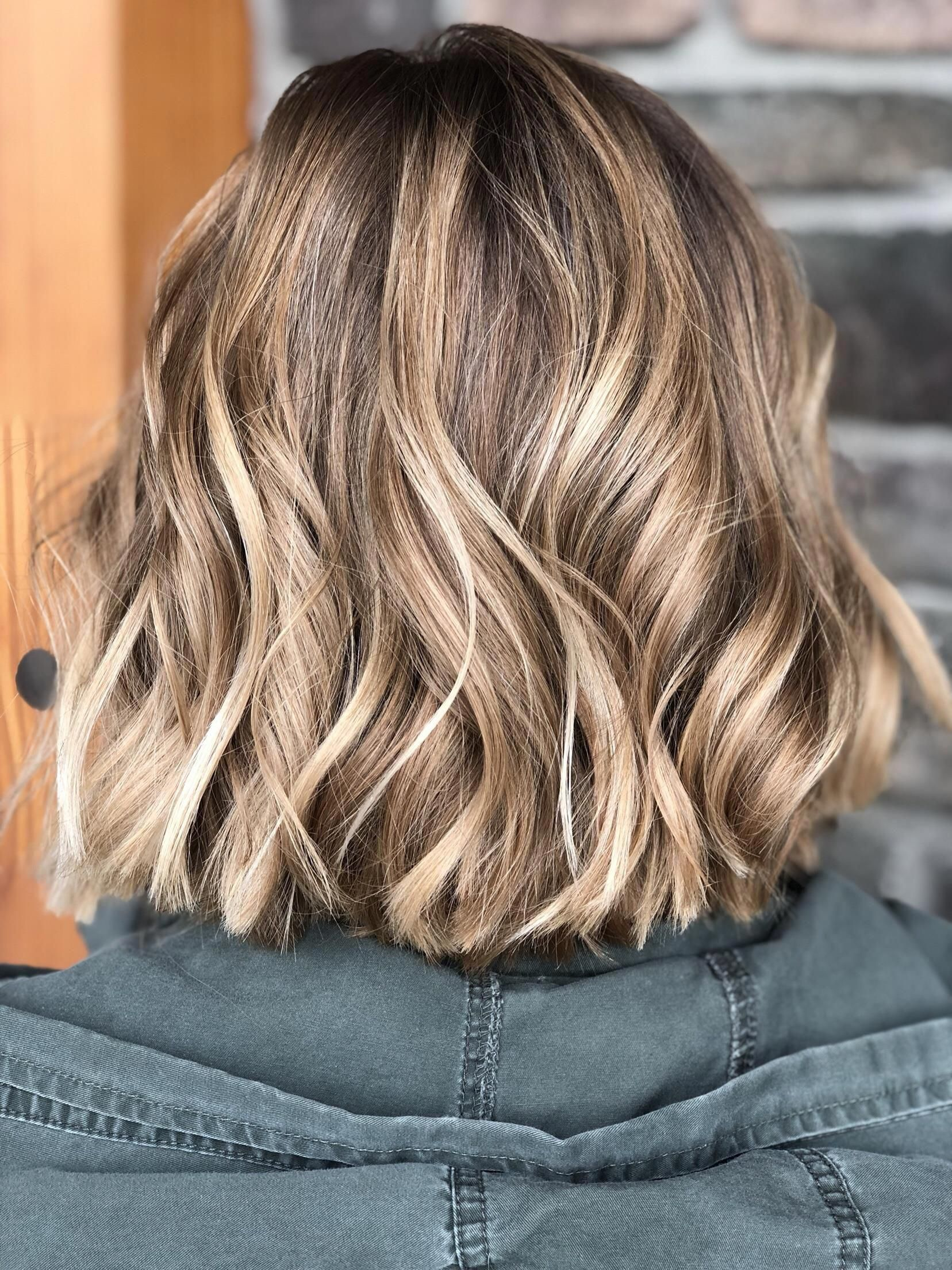 Balayage 120 French For To Sweep Literally Sweeping The Product Onto Your Hair S Brown Hair With Blonde Highlights Brown Blonde Hair Short Hair Balayage