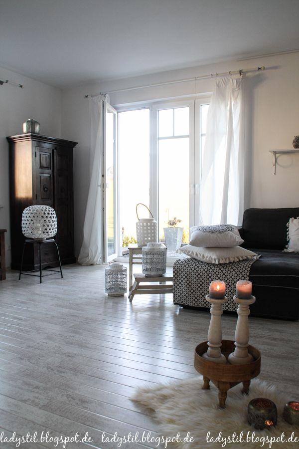 Scandiboho Style im Wohnzimmer Esszimmer in Weiß Schwarz und Holz - esszimmer im wohnzimmer