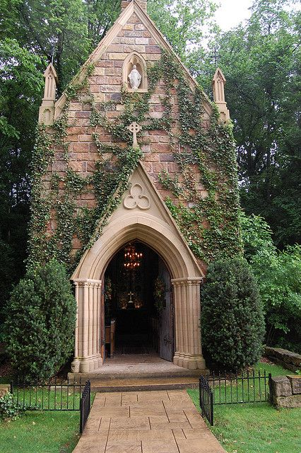 These 15 Spots In Arkansas To Get Married Will Blow Guests Away Stone Chapel Arkansas Wedding Venues Church Pictures