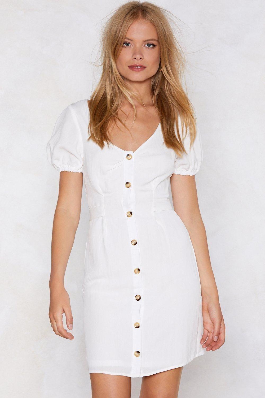 387a4060ec1 Go big or go home. The Puff Up the Volume Dress features a V-neckline