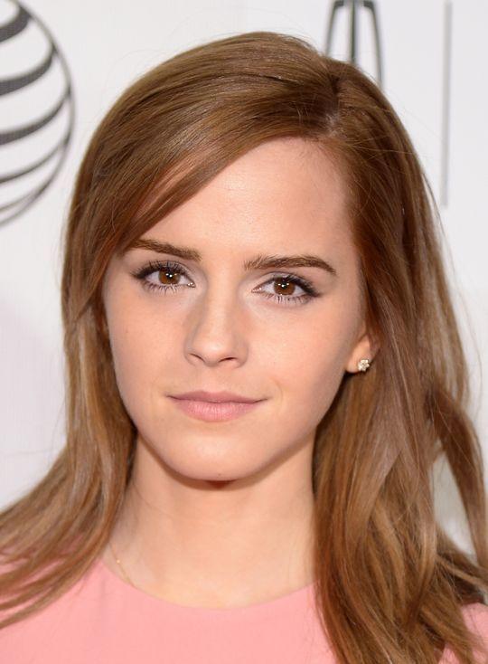 Emma Watson's pretty pink makeup