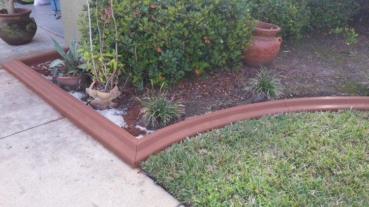 décorer le jardin d\'une bordure de pelouse en blocs de béton de ...
