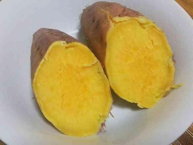 焼き芋 レンジ で 焼き芋が一番おいしく焼ける方法は? 4つの焼き方で食べ比べ!