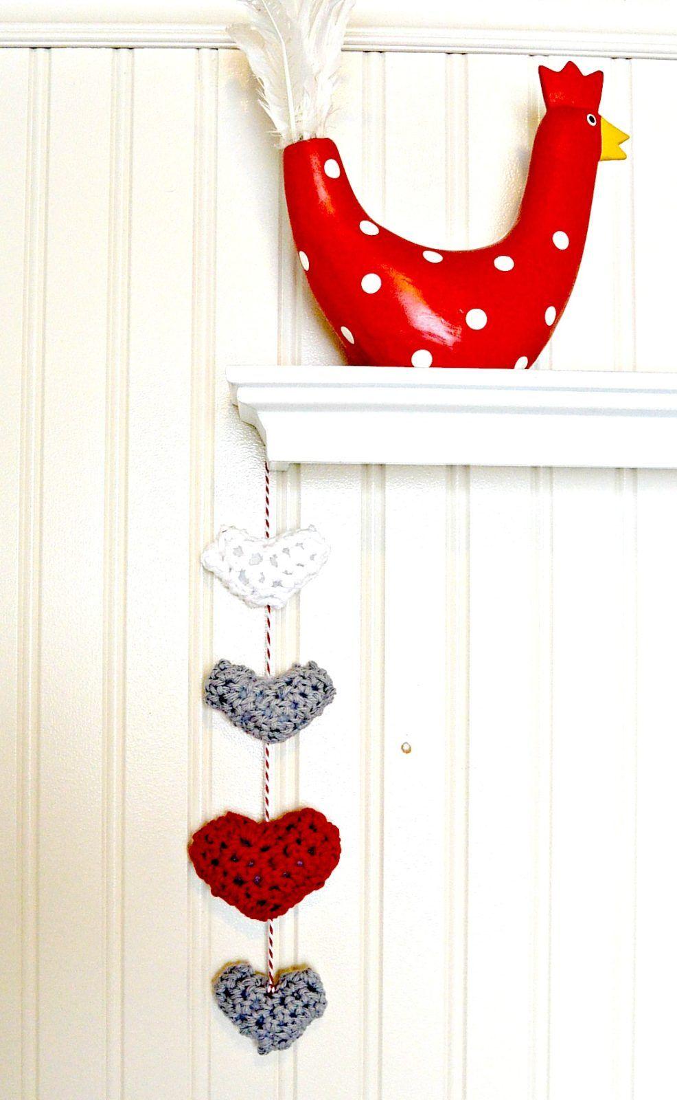 Easy Crochet Puffy Hearts Wall Hanging   Crochet   Pinterest