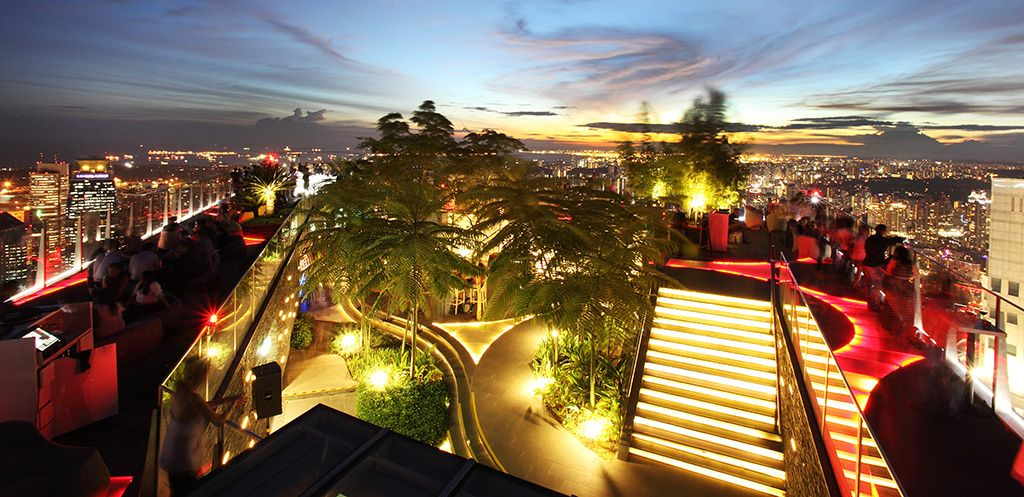 5 1 Altitude The World S Highest Al Fresco Bar 1 Altitude Perches At The Very Top Of Singapore S Th Singapore Attractions Singapore Travel Best Rooftop Bars