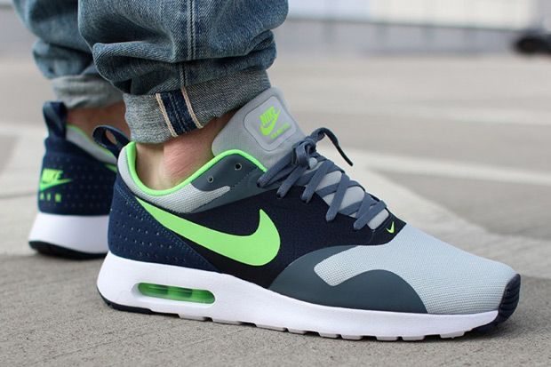Nike Air Max Tavas Seahawks - Sneaker Bar Detroit