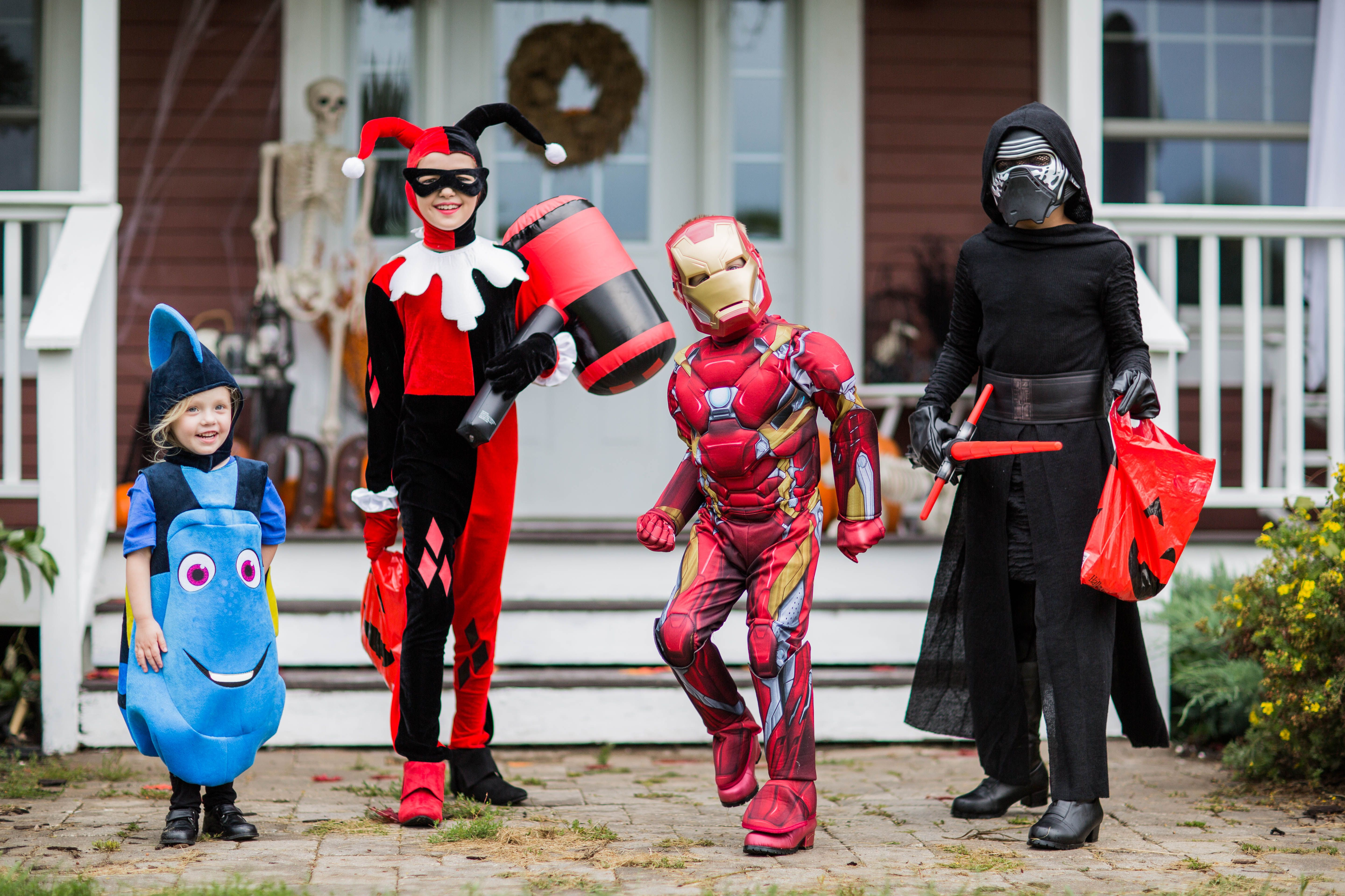 cute kids halloween costume ideas- get your trick-or-treat group