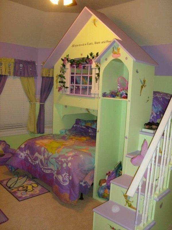 märchenhafte kinderzimmergestaltung bett treppe grün und lila ... - Kinderzimmer Grun Lila