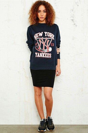 0a6917714dc35 Majestic Athletic New York Yankees Sweatshirt