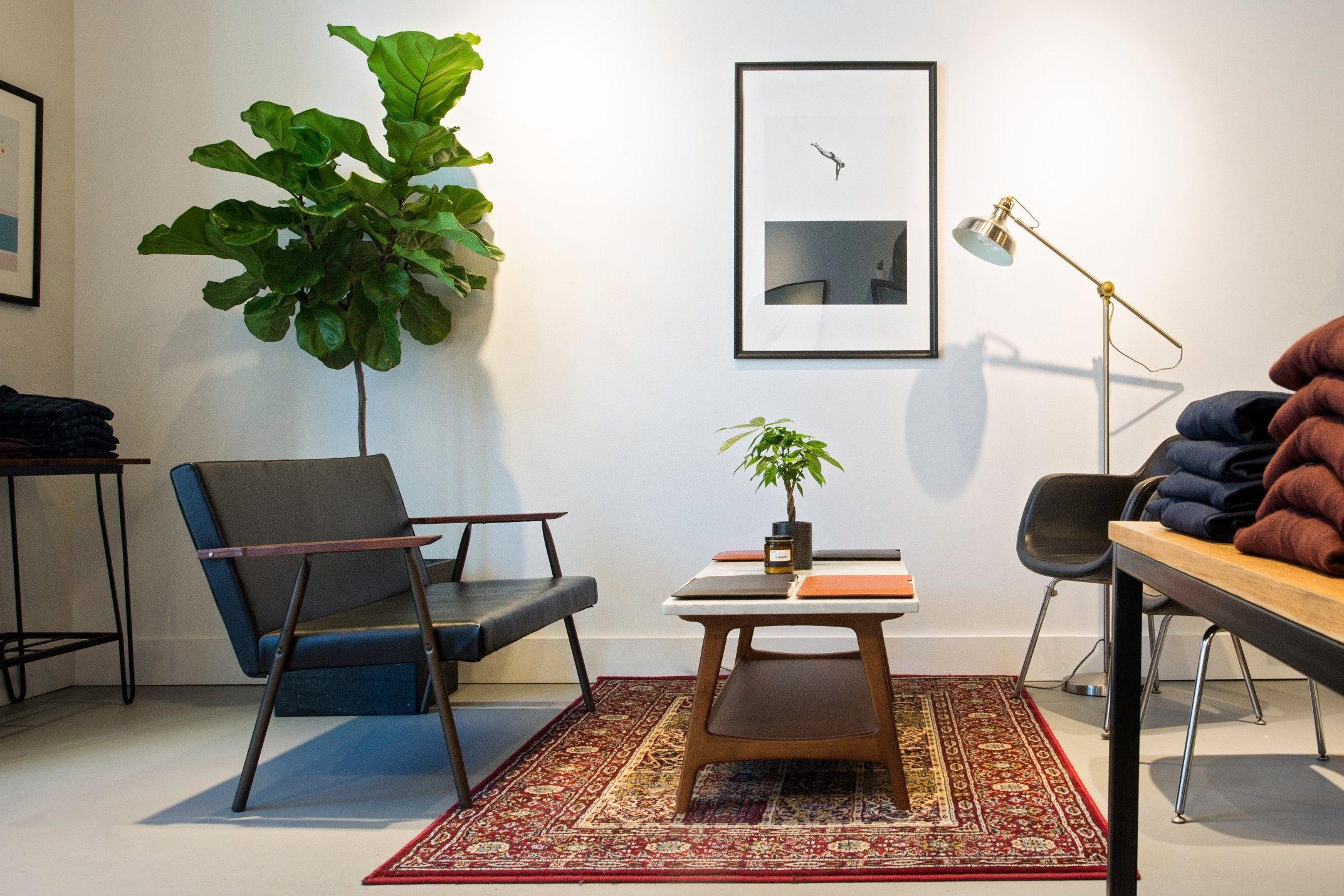 We love a good seating area, can you tell? Come stop by our Washington store, we've got you covered | #frankandoak