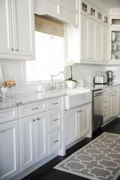 25+ Dreamy White Kitchens   White Shaker cabinets, cabinets ceiling height, shows storage cab... #whiteshakercabinets
