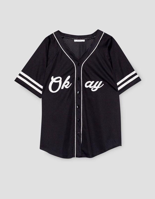 Chaqueta beisbolera manga corta - Blusas y camisas - Ropa - Mujer -  PULL BEAR México ad4e68be0c6