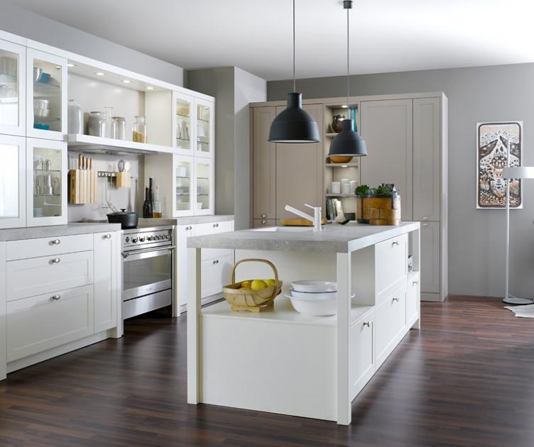 Landhausküchen Weiß und wohnlich  - kche mit kochinsel landhaus