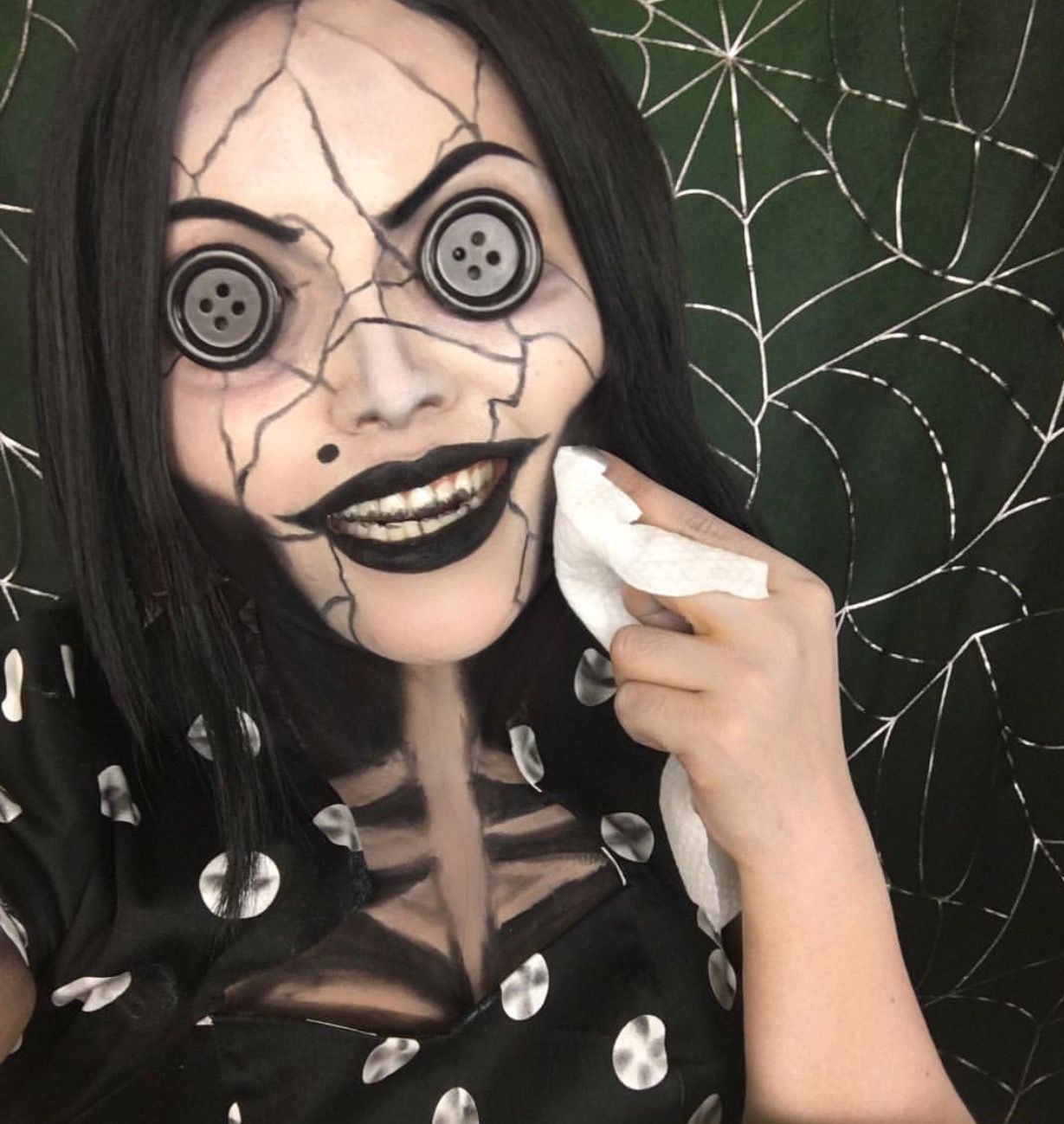 Pin By Agatha Kissel On Halloween Glam Creepy Halloween Makeup Black Halloween Makeup Cute Halloween Makeup