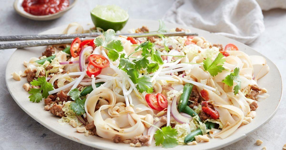 One-pot Turkey pad thai   Recipe   Pad thai, Tasty beef ...