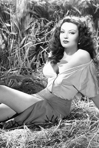 Linda Darnell, 1944.