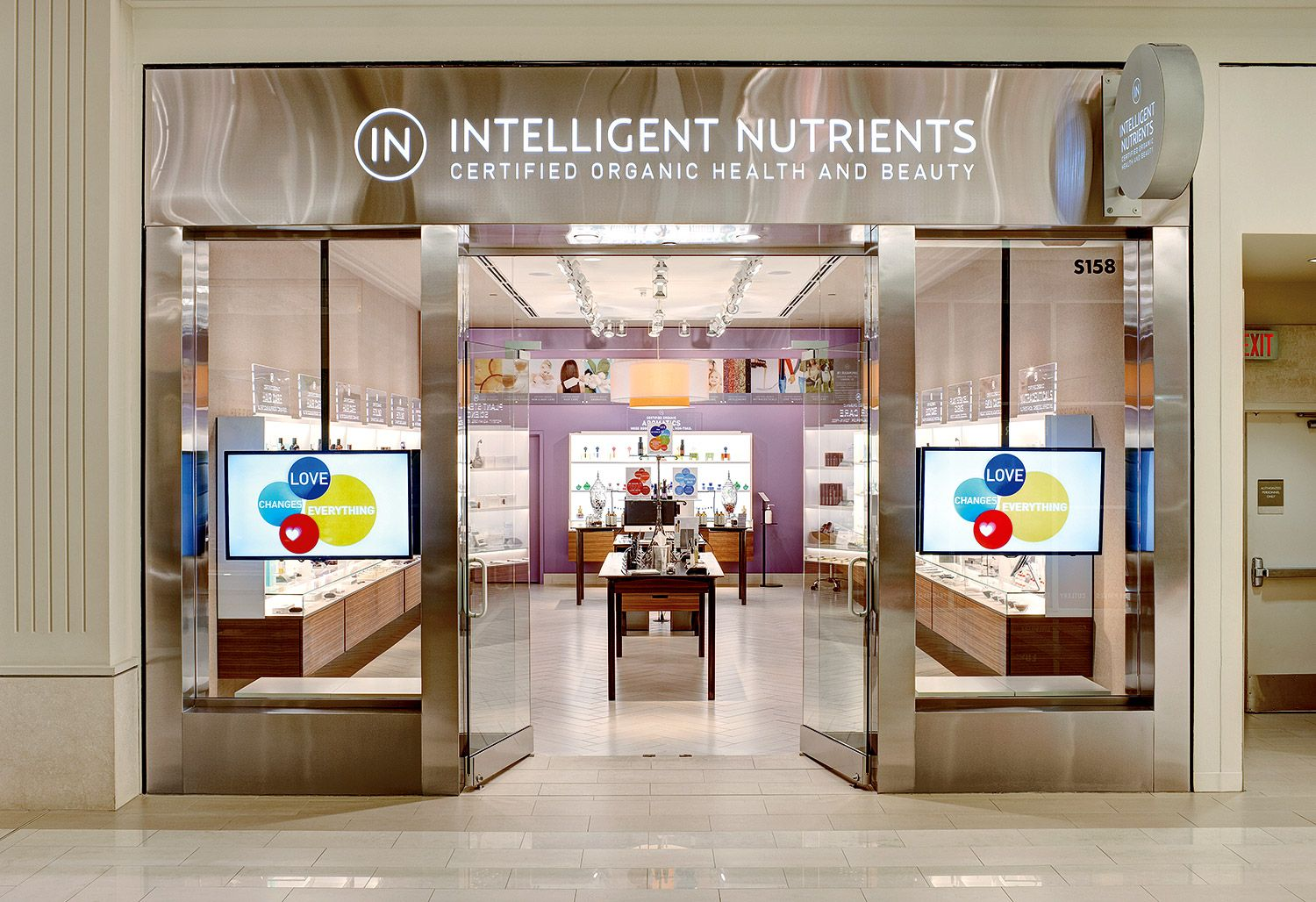 At the Intelligent Nutrients store at Mall of America we