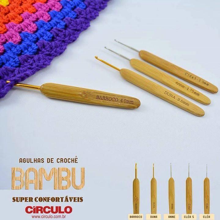 Boa Noite Pessoal!!!! Quem esta fazendo crochê ai???? Quem de vcs já usou as agulhas de Bambu? Conte a sua experiencia em usar as agulhas de Bambu na confecção das suas peças #professorasimone #crochet #semprecirculo #Agulhascirculo